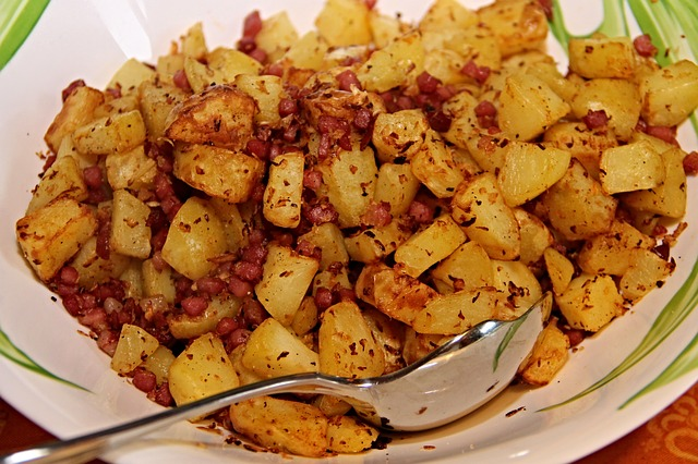 fried potatoes und bacon - pixabay