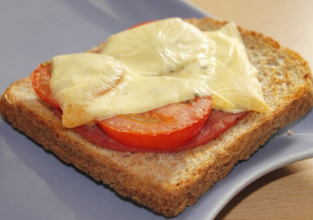 Bunte Toasts überbacken