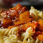 nudeln-exotica-mit-tomaten-erdnuss-sauce
